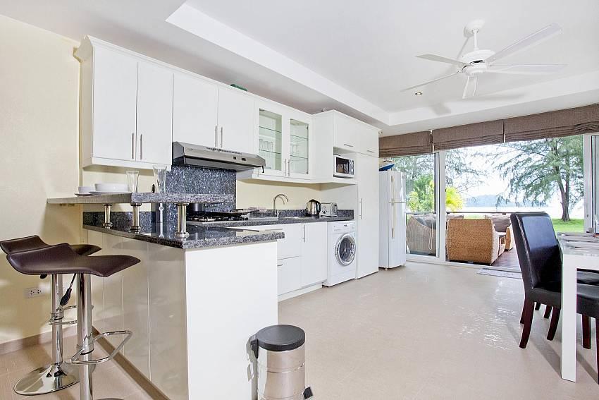 Kitchen room Of Koh Chang View Villa