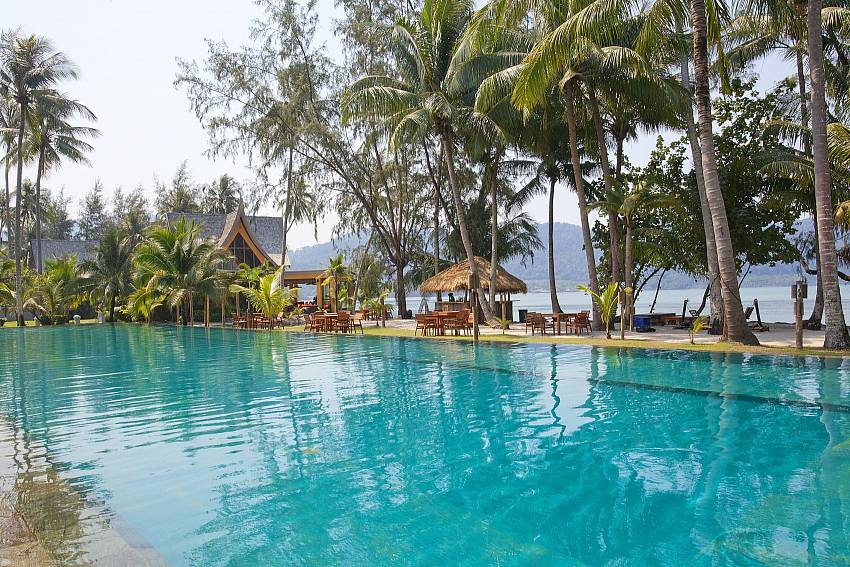 Swimming pool with naturally refreshing Of Koh Chang View Villa