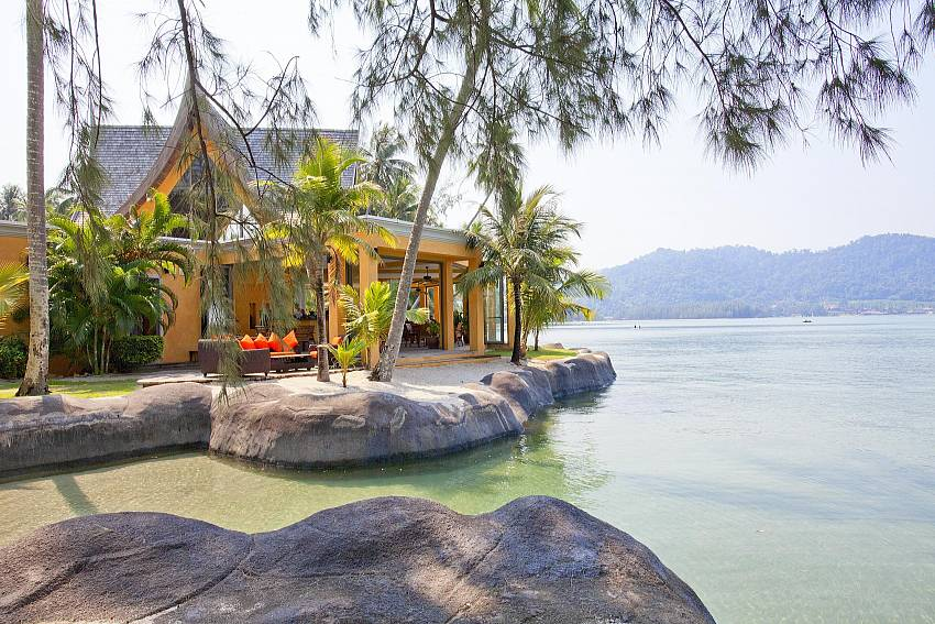 House near the sea Of Koh Chang View Villa