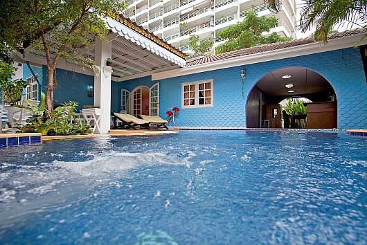 Rent Pattaya Villa: Jomtien Paradise Villa, 5 Bedrooms. 9807 baht per night