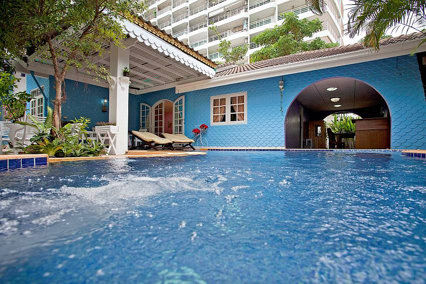 Jomtien Paradise Villa 5 Bed Rental With Jet Pool And