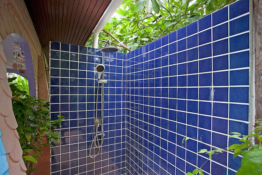 Shower outdoor Of Jomtien Paradise Villa