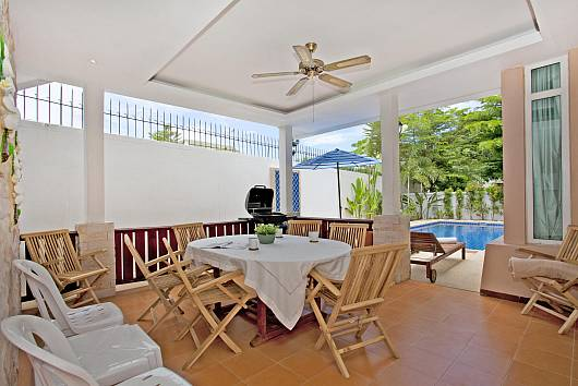 Аренда виллы в Паттайе: Jomtien Summertime Villa, 4 Спальни. 7900 бат в день