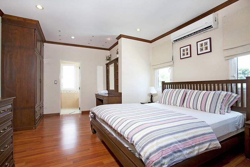 Master bedroom at Jomtien Summertime Villa A in Pattaya