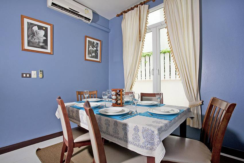 Comfortable dining area at Jomtien Summertime Villa A in South Pattaya