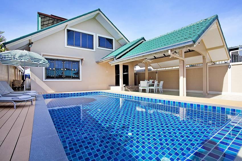 Swimming pool Of Villa Enigma
