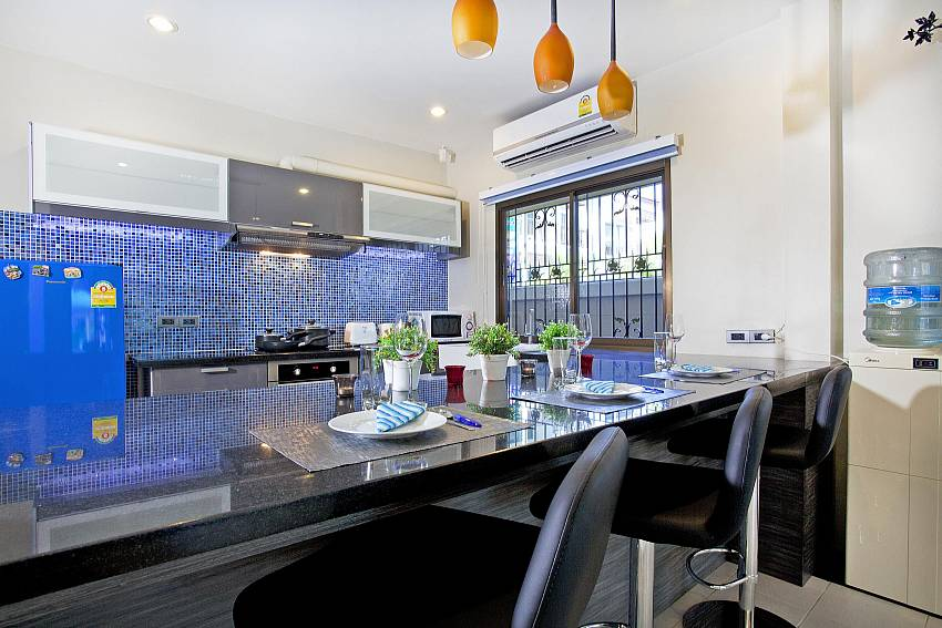 Dinning bar in the kitchen Of Villa Enigma