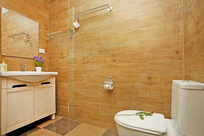 Toilet with basin wash Of Villa Enigma