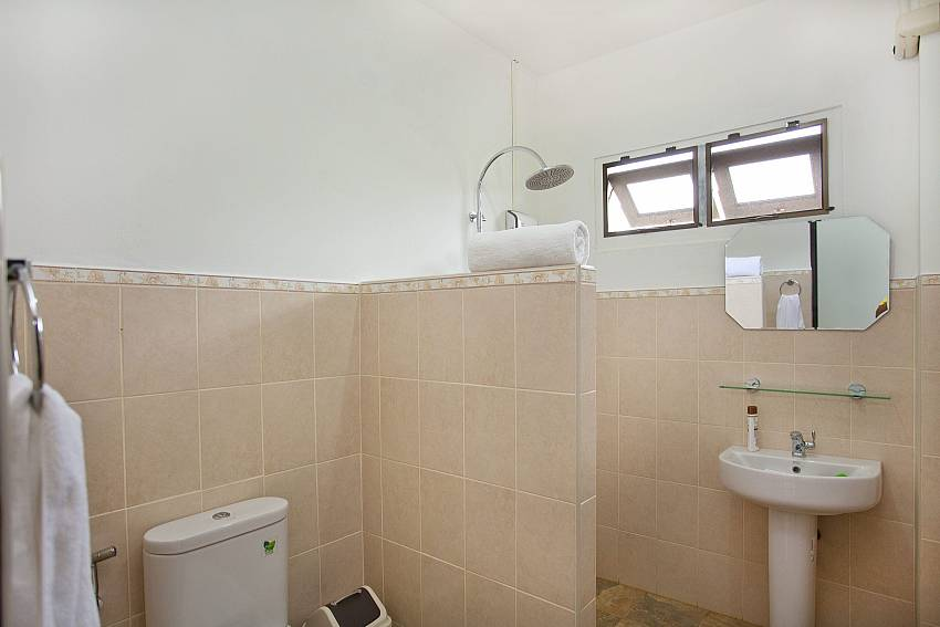 Toilet with shower and basin wash Of Lanna Karuehaad Villa