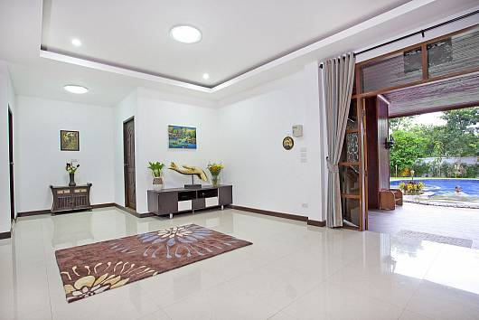 Rent Chiang Mai Villa: Lanna Karuehaad Villa, 8 Bedrooms. 21976 baht per night