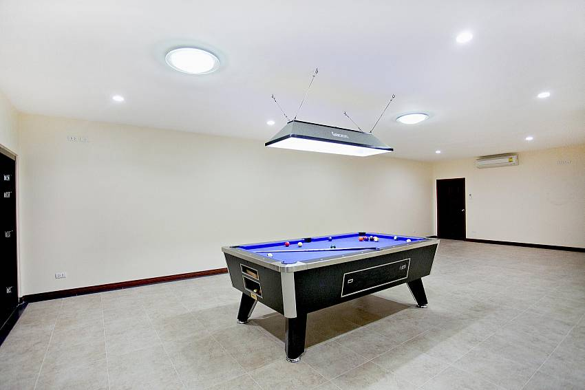Pool table Of Huay Yai Manor