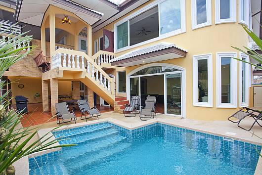 Rent Pattaya Villa: Villa Patiharn Khao Talo 7Bed, 7 Bedrooms. 9869 baht per night