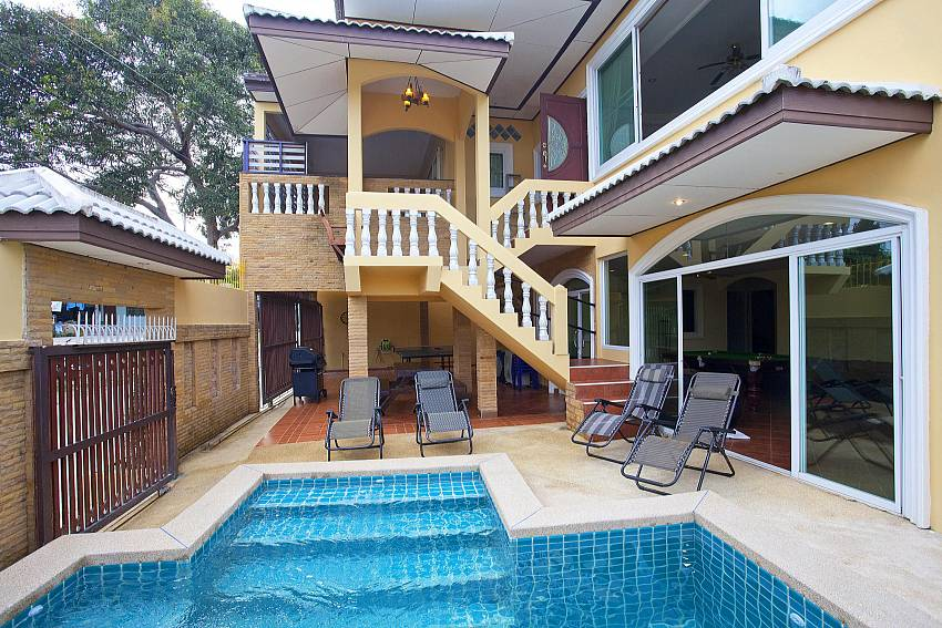 2 floor holiday home Villa Patiharn Pattaya for big families