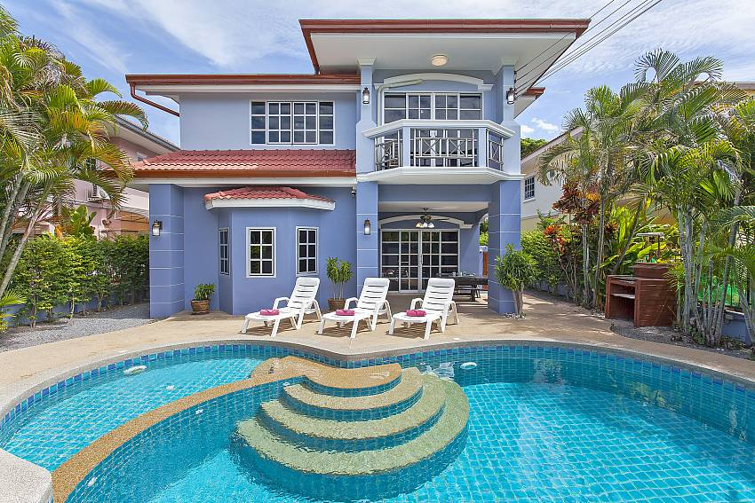 Main view of house and pool-Baan Duan_Jomtien Beach_Pattaya_Thailand