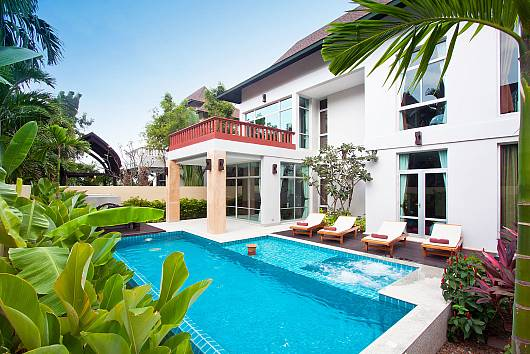 Rent Pattaya Villa: Jomtien Waree 4, 4 Bedrooms. 8952 baht per night