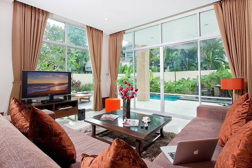 Living room see views with TV Of Jomtien Waree 4