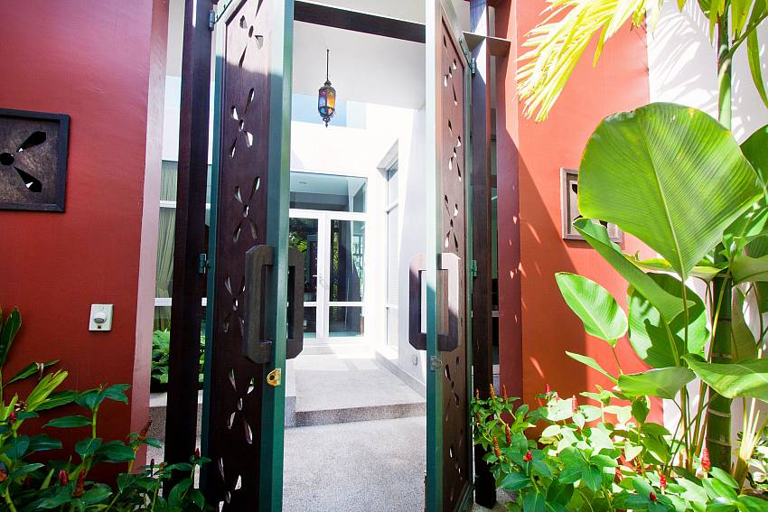 Entrance to your private surroundings at Jomtien Waree 4 South Pattaya