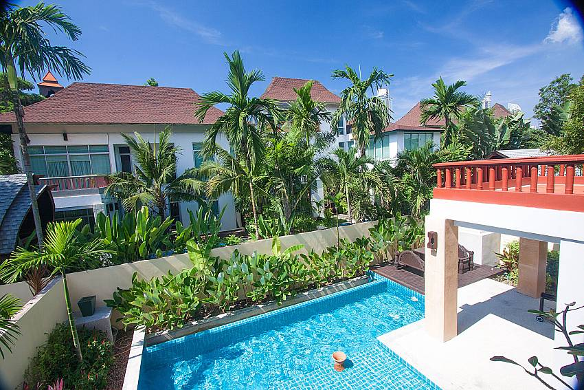Pool view from 1. floor at 4 bedroom Villa Jomtien Waree 4 Pattaya