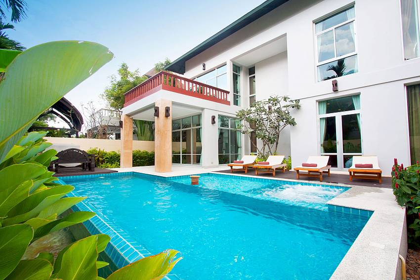 Great private pool with Jacuzzi at Jomtien Waree 4 in South Pattaya