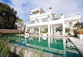 นาจอมเทียน บีชฟร้อนท์วิลล่า - บ้านหรู 7 ห้องนอน พร้อมสระว่ายน้ำให้เช่ารายวันพัทยาติดทะเลและมีโต๊ะพูล