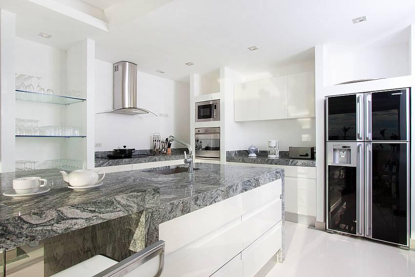 Kitchen room with refrigerator Of Na Jomtien Beachfront Villa