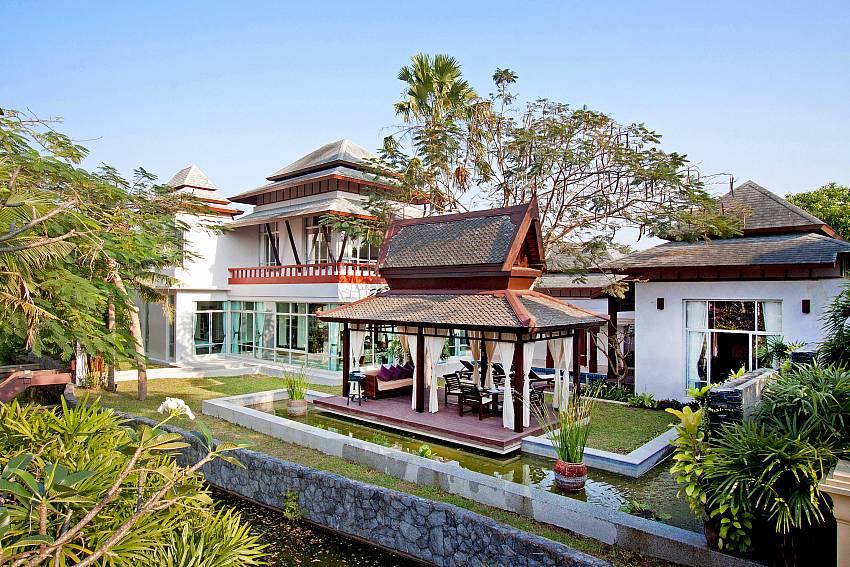 House with pavilion Of Baan Mork Nakara Gorgeous