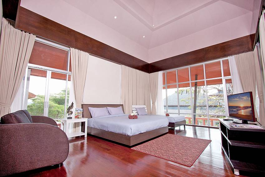 Large bedroom see view with TV and sofa Of Baan Mork Nakara Gorgeous (Third)