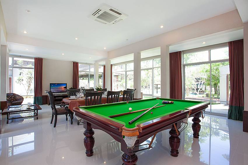 Pool tablein living room of Baan Mork Nakara Pattaya