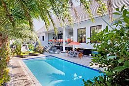 Villa Ultra-Moderne avec Piscine à Pratumnak Hill Pattaya