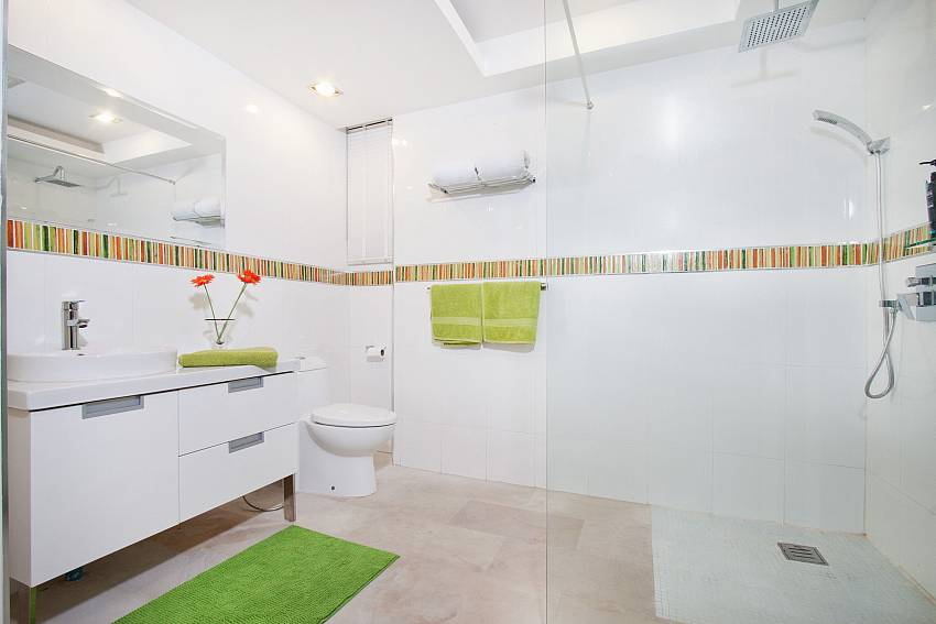Shower with toilet and basin wash Of Royale Grand Villa