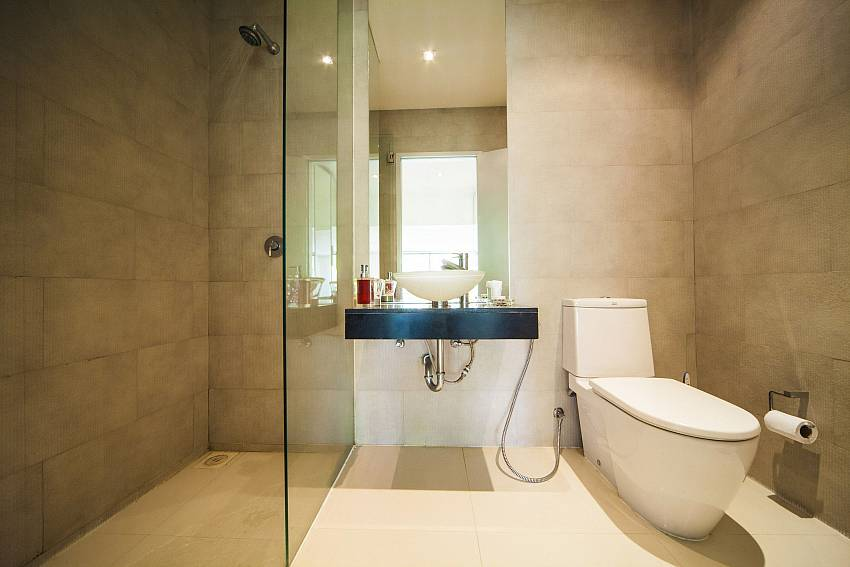 Toilet with shower Of Seductive Sunset Villa Patong A5