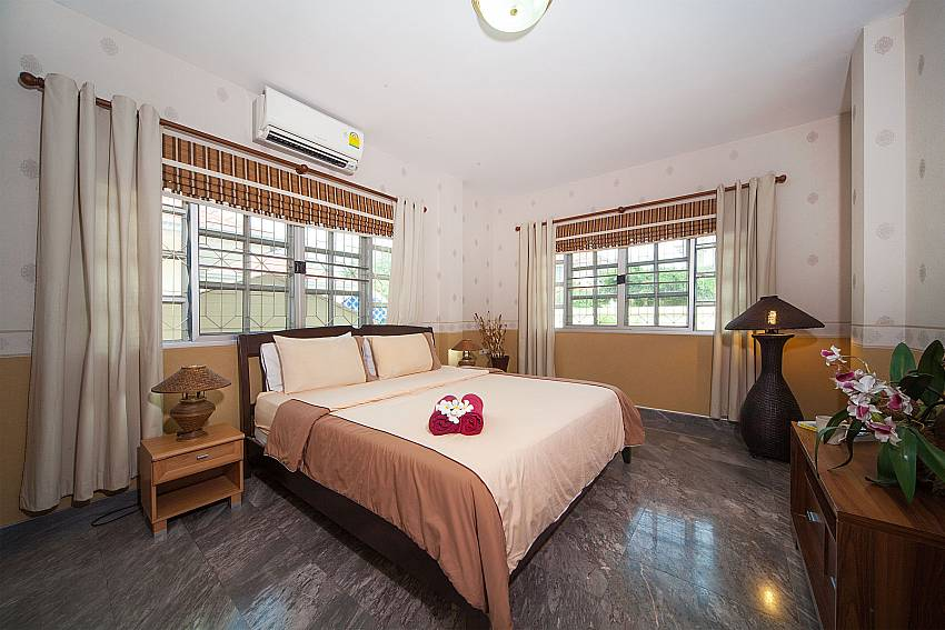 King size bedroom at Baan Chokdee in Jomtien Pattaya