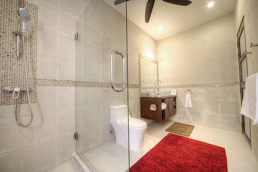 Shower with toilet and basin wash Of View Peche Villa