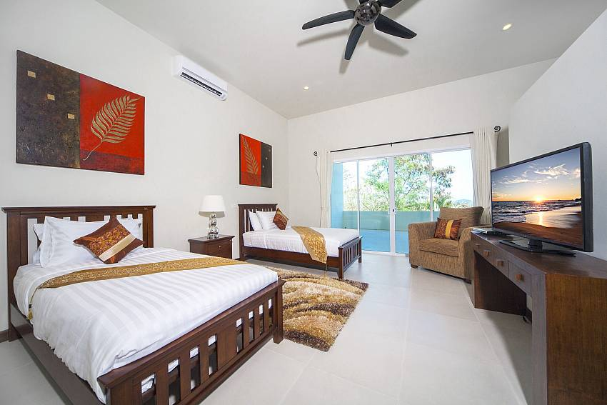 Double bedroom see views with TV Of View Peche Villa (First)