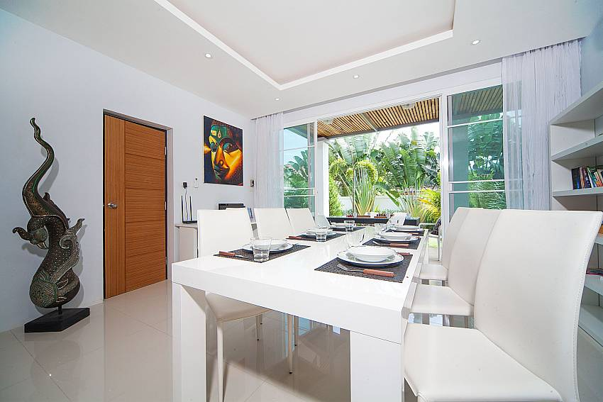 Dining area in Villa Juliet Kamala West Phuket