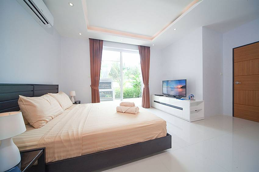 2. bedroom with direct garden access at Villa Juliet Phuket