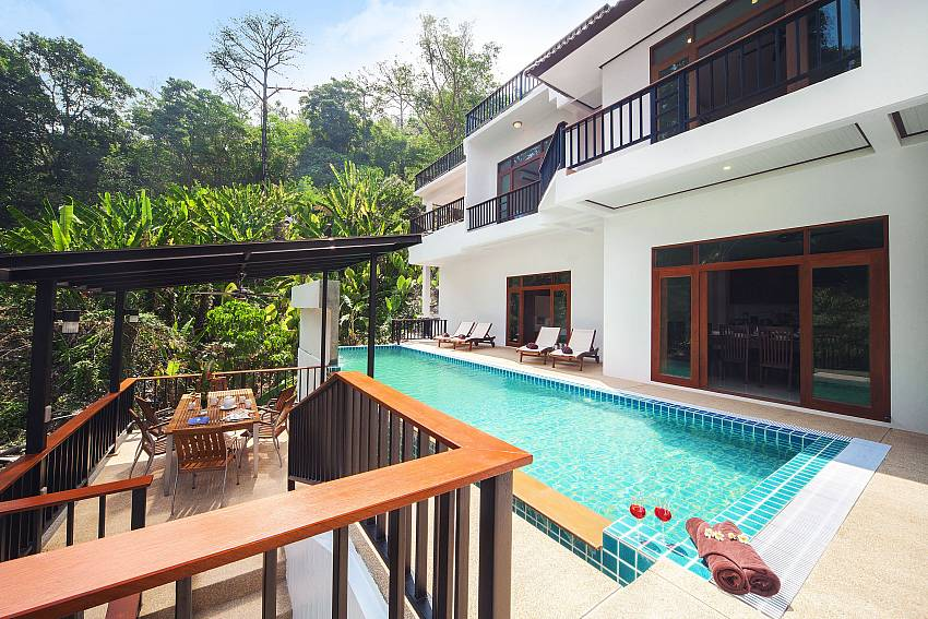 Swimming pool Of Patong Hill Estate Seven