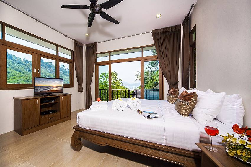 Bedroom views with TV Of Patong Hill Estate Seven (Third)