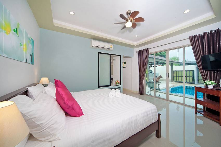 Bedroom near the pool Of Villa Naiyang (Second)