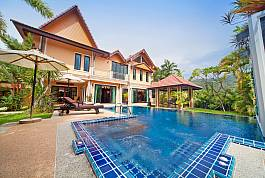 Large private pool and garden villa for Rent in Phuket Thailand by Thailand Holiday Homes - Villas for rent in Pattaya, Phuket, Koh Samui