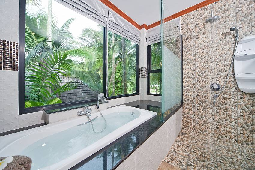 Jacuzzi tub views with shower Of BangTao Tara Villa 3