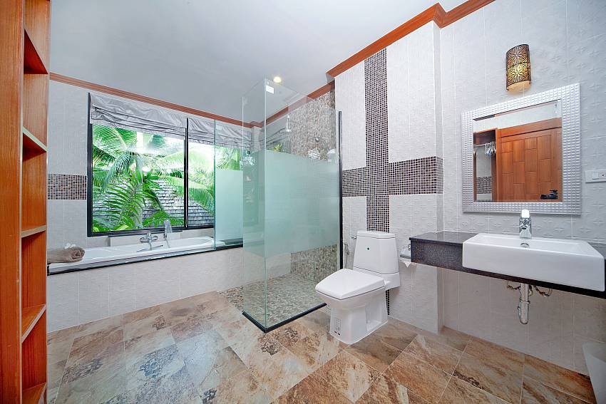 Toilet with basin wash and jacuzzi tub Of BangTao Tara Villa 3