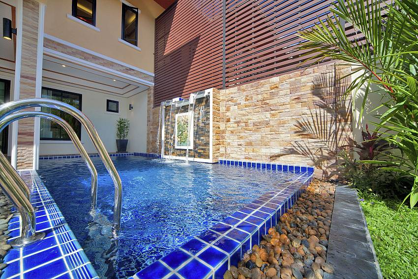 Swimming pool Of BangTao Tara Villa 4