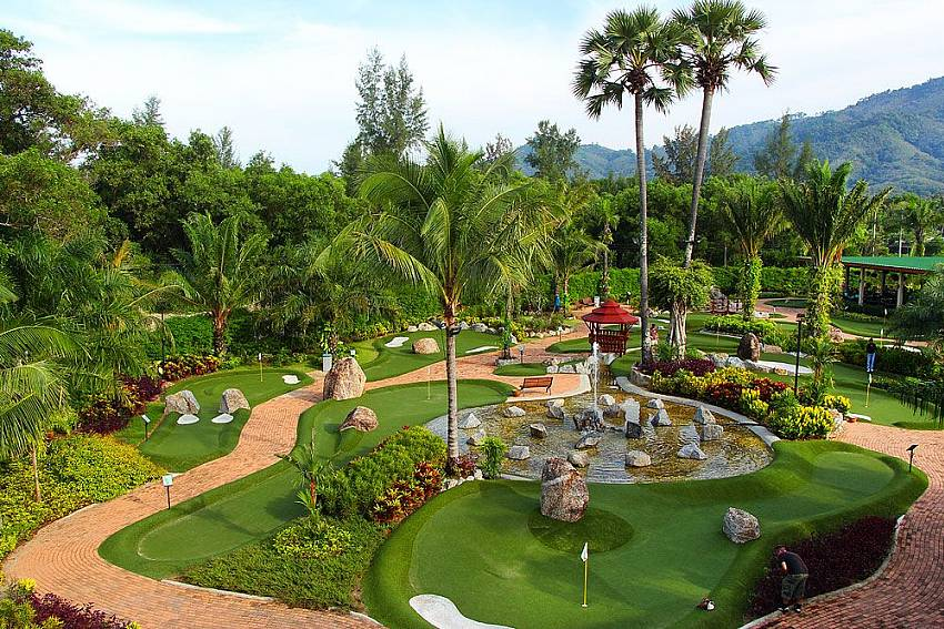 Have a fun afternoon at the mini-golf park near BangTao Tara Villa 4 in Phuket