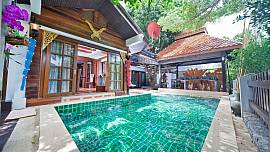 Baan Ruean Thai 200 metres Jomtien Beach 6 Bedroom Thai-Style Traditional Villa