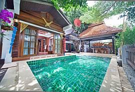Baan Ruean Thai- 可步行至宗天海滩的6卧室泰式传统别墅