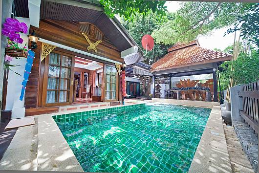 Rent Pattaya Villa: Baan Ruean Thai, 6 Bedrooms. 12372 baht per night