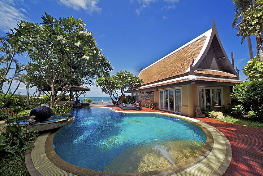 Swimming pool at daytime Of Villa Haven