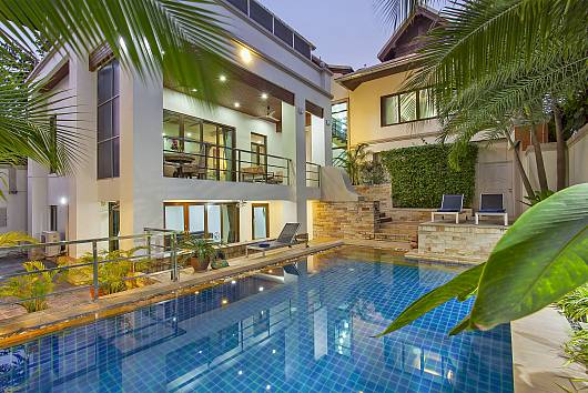 Rent Pattaya Villa: Angels Villa, 5 Bedrooms. 13999 baht per night