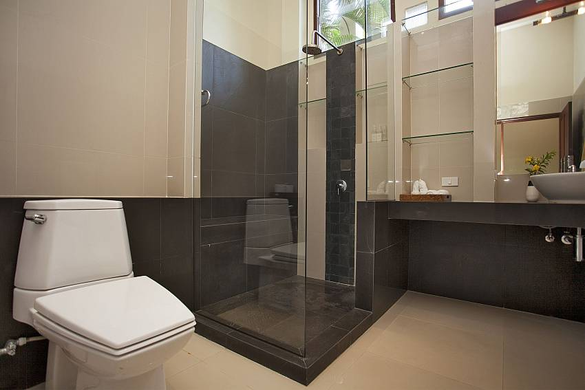 Toilet with shower Of Cape Summitra Villa